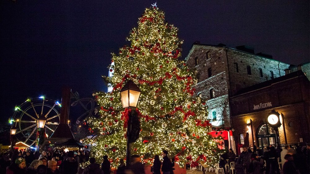 Best places to visit at christmas in canada stunning places for Best places to visit for christmas